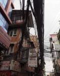 1. Kable w miastach, przyczyna częstych pożarów, brak publicznej elektryki.